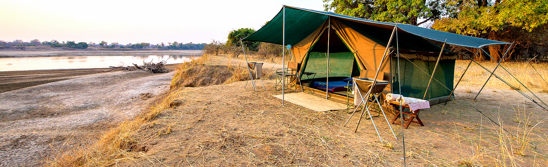 Traditional mobile walking camp with Robin Pope Safaris by Dana Allen